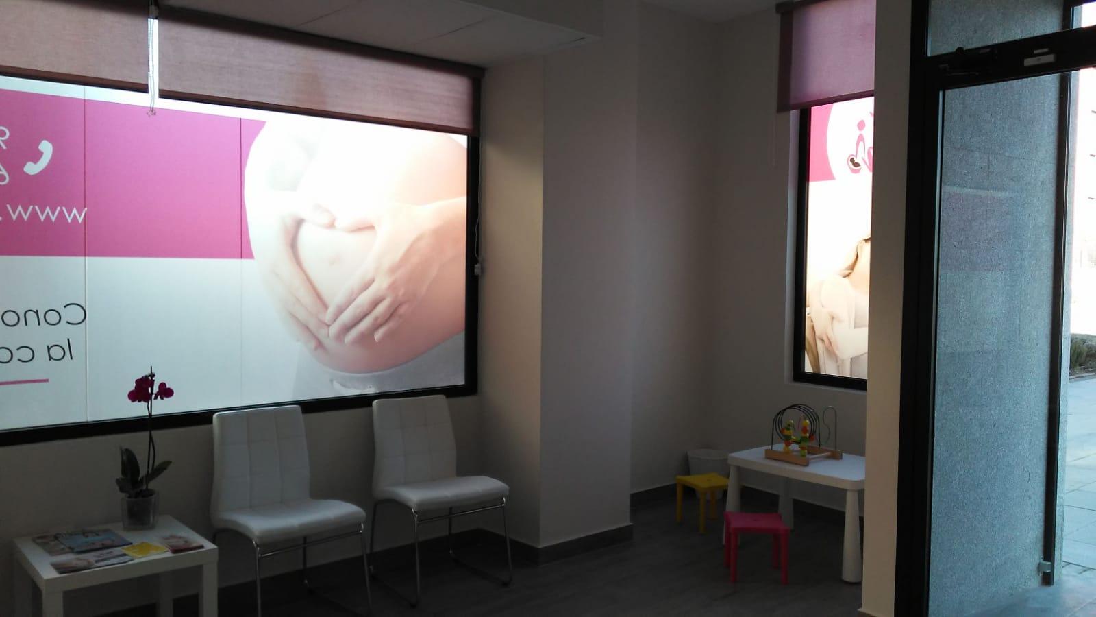 Sala de espera Hello Mami Ecografía 5D - Alcalá de Henares. Ecografías 5D en la Zona Norte y Corredor del Henares, Avenida Víctimas del Terrorismo, Alcalá de Henares, España