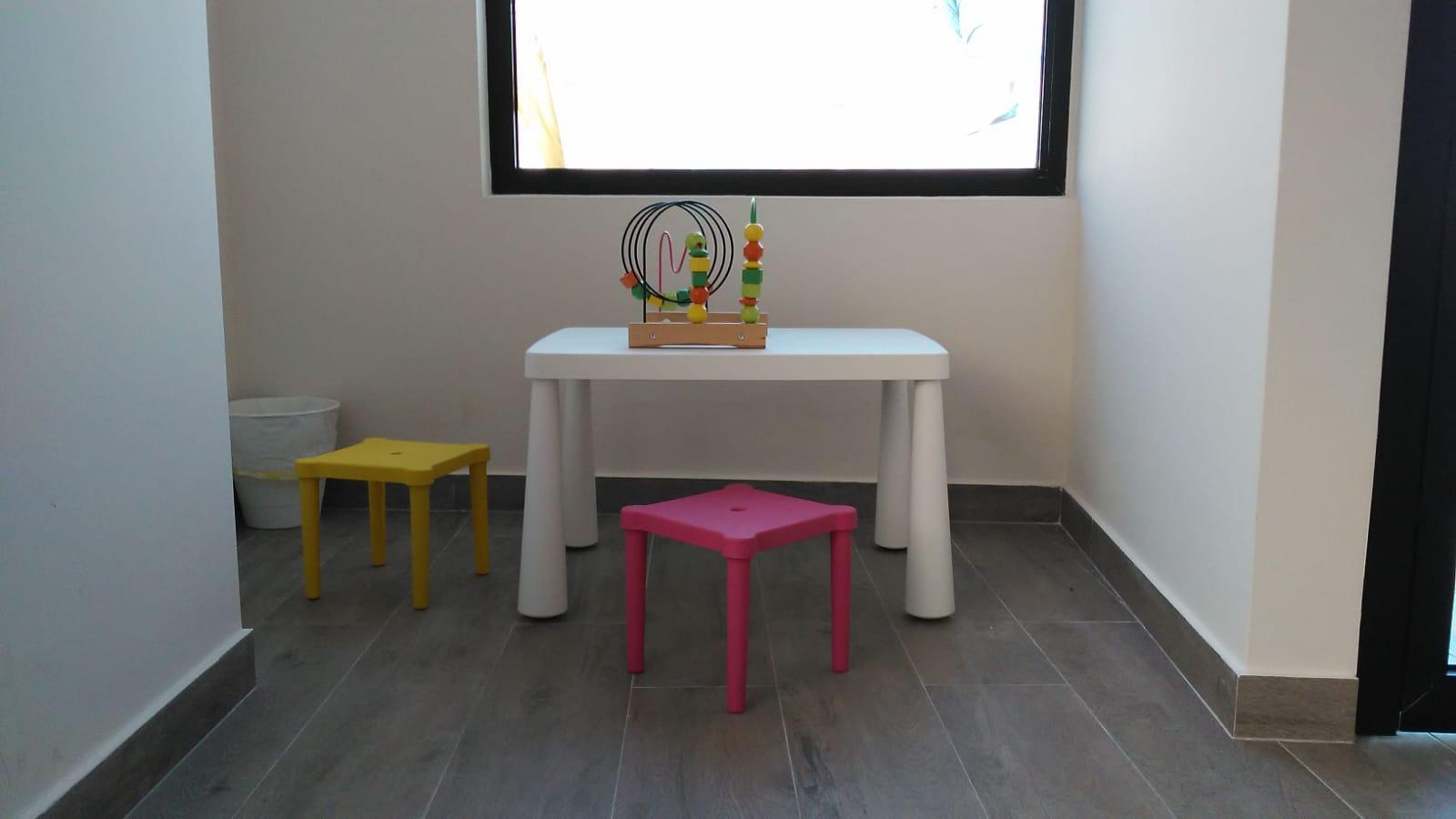 Zona de juegos Hello Mami Ecografía 5D - Alcalá de Henares. Ecografías 5D en la Zona Norte y Corredor del Henares, Avenida Víctimas del Terrorismo, Alcalá de Henares, España